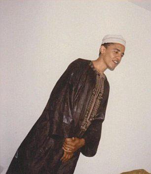 Obama in Muslim clothes