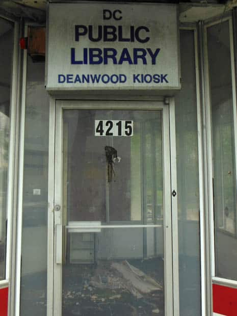 Deanwood Library Close Up