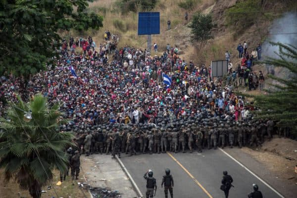 January 17, 2021, Chiquimula, Guatemala: Several Guatemalan soldiers block Honduran migrants at a police control in the city of Chiquimula. Some 9,000 Honduran migrants are crossing western Guatemala on a journey to the USA. (Credit Image: © Esteban Biba / EFE via ZUMA Press)